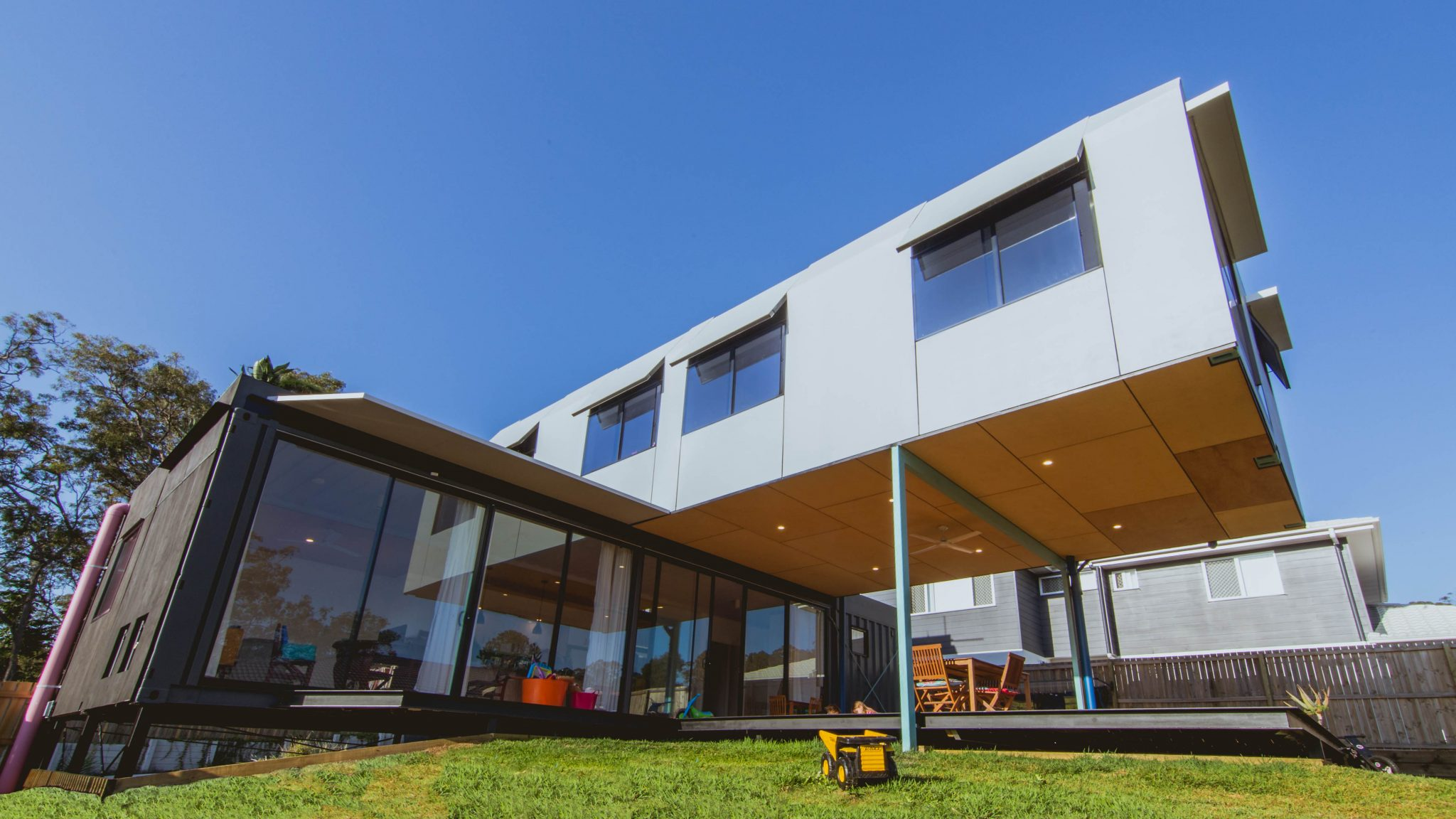 Oxley modular house australia pop blocks for Prefabricated shipping container homes